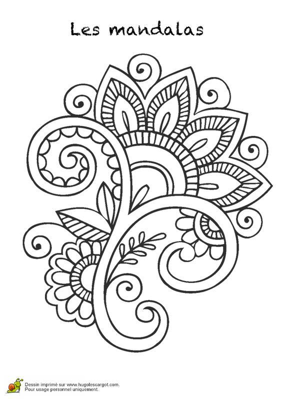 Un beau mandala en forme de fleur, à colorier