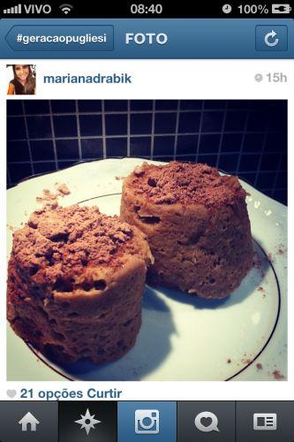 1 banana/ 1egg/ 1tablespoon chocolate whey/ 1 teaspoon baking powder/ microwave 3 mins