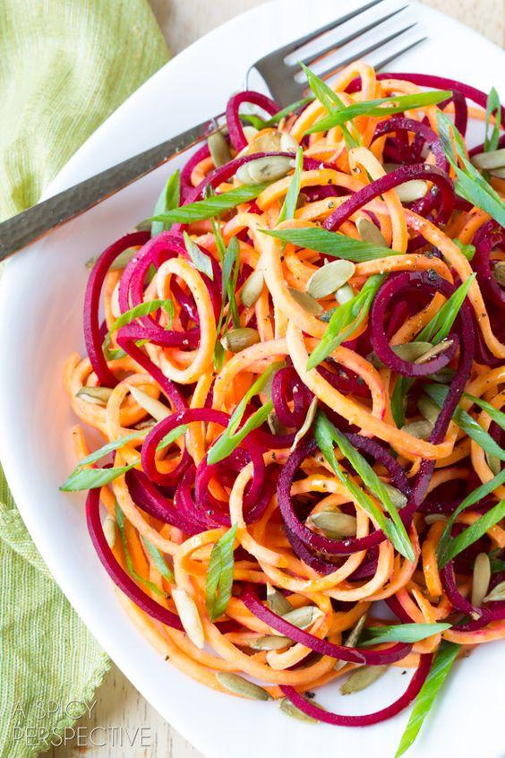 Rote Beete und Süßkartoffeln als Duo! #salat #gesund #roh