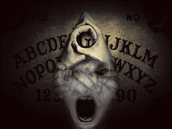 Uso de la tabla Ouija B55f9012fd19f5e96c39780ed6e70062