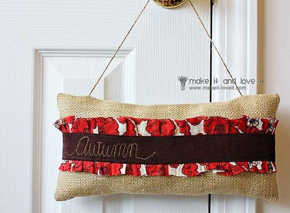 Autumn door hanger using burlap.