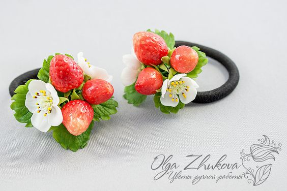 scrunchy with strawberries by polyflowers on DeviantArt