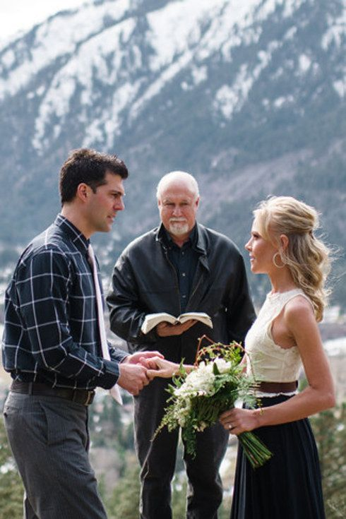 32 incredibly beautiful elopements you have to see for Casual mountain wedding dresses
