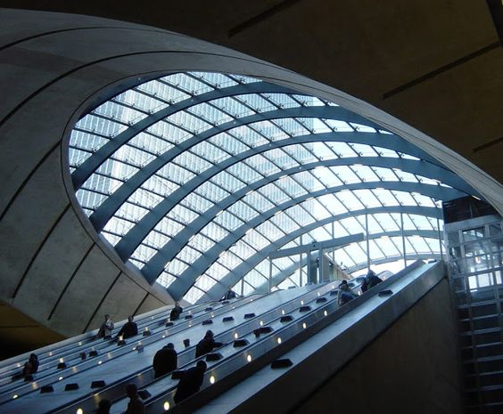 The Globe Trotter: The Canary Wharf Underground Station in London