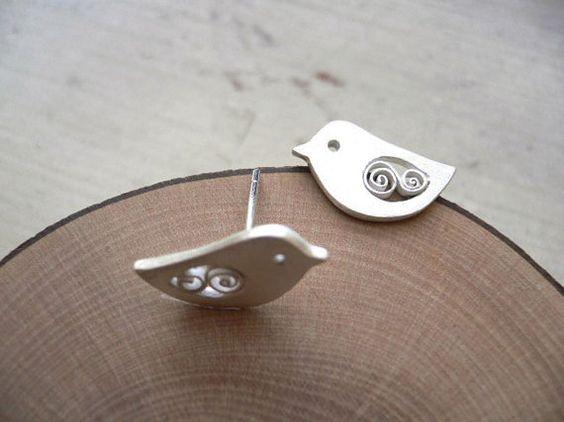 Items similar to Pendiente del perno prisionero - accesorio plata Animal de aves on Etsy