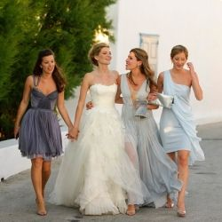 Style your leading ladies with the a Guide on the Five Latest Trends for Bridesmaids! (via Vogue)