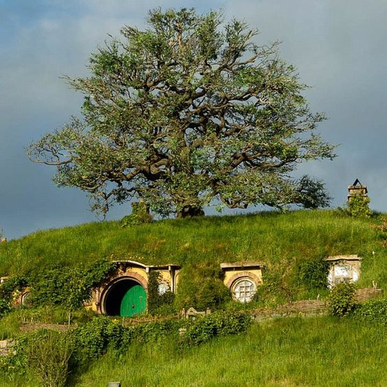 Landscaping #Hobbiton #TheHobbit: Captivating Crannys, Dream House, Bag, Lotr Hobbiton, Hobbiton Thehobbit, Landscaping Hobbiton, Ent Film
