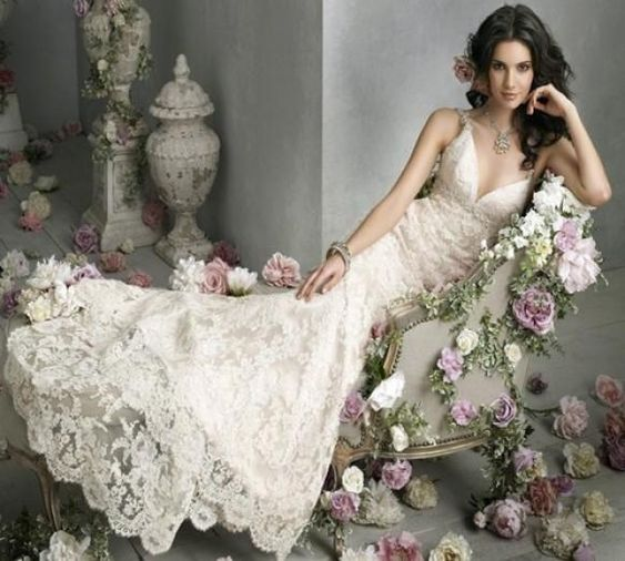 Ivory Deep V-Neckline Vintage Lace Wedding Dress ♥ Professional Romantic Bride Photography