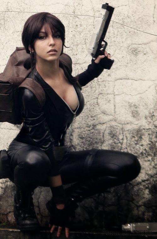 Os incríveis e lindos cosplays de quadrinhos e games de Gabriela Almeida - Lara Croft catsuit