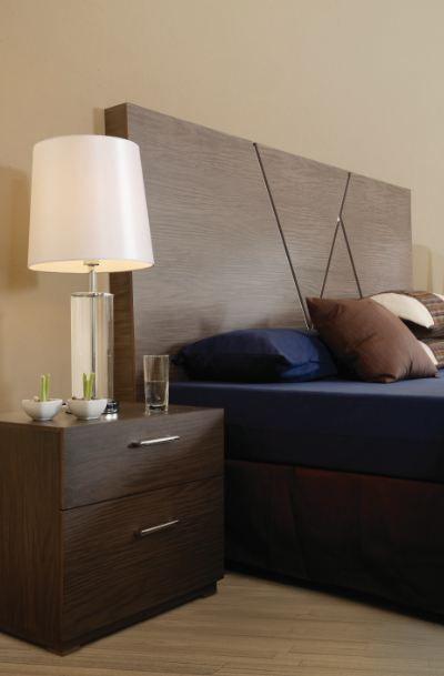 Una lámpara pequeña en tu habitación es indispensable para esas ...