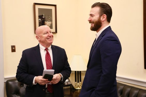Chris Evans visits Capitol Hill