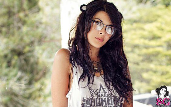 Mindi Suicide  http://suicidegirls.com/girls/Mindi/