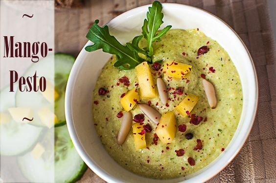 vegan mango pesto with pine nuts   ///   Veganes Mango-Pesto mit Pinienkernen