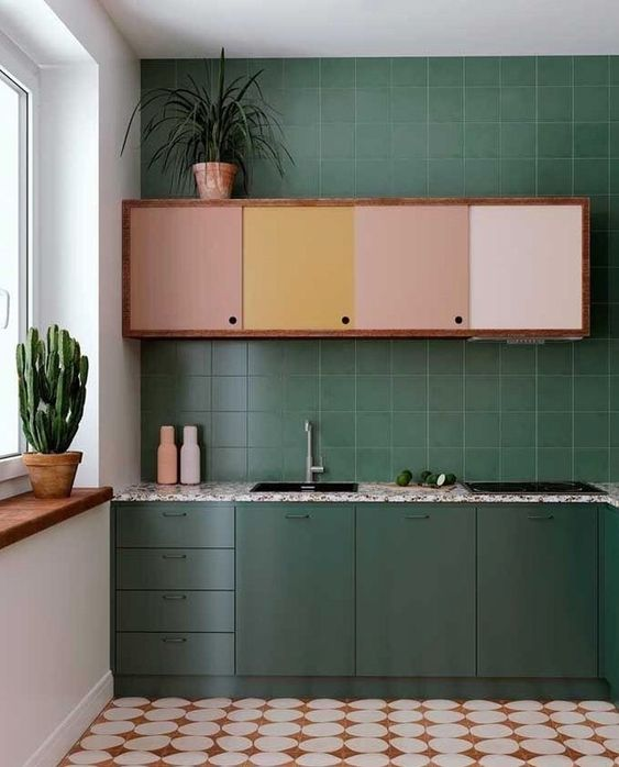 quirky green kitchen with ombre cabinet. / sfgirlbybay