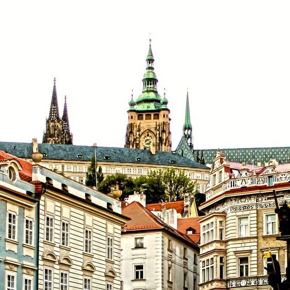 Tem post novo no blog sobre Praga, cidade que adoro!! Nele conto o que conhecer…