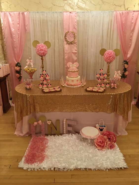 Cake Decorating Store Mesa : Pink and gold, Minnie birthday and Gold table settings on ...