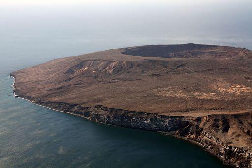 """Isla de la Tortuga"""" es una pequeña Isla de origen volcanico ..."""