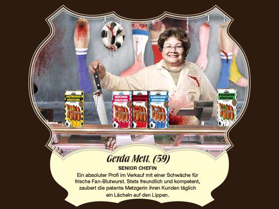 Gerda Mett, (59) – Senior Chefin Ein absoluter Profi im Verkauf mit einer Schwäche für frische Fan-Blutwurst. Stets freundlich und kompetent, zaubert die patente Metzgerin ihren Kunden täglich ein Lächeln auf den Lippen.