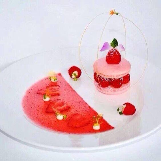#patisserie #pastry #foodporn #plating #déliceux #dessert #fraisse #strawberry