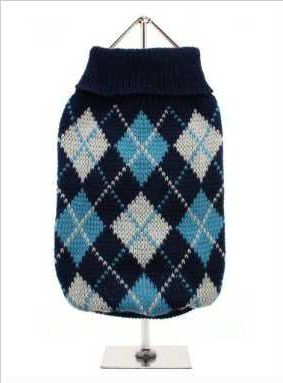 Knitted blue sweater with a baby blue and white diamond pattern. The Argyle pattern has seen a resurgence in popularity in the last few years due to its adoption by Stuart Stockdale in collections produced by luxury clothing manufacturer, Pringle of Scotland. The rich Scottish heritage will give your pup a touch of class while keeping warm!