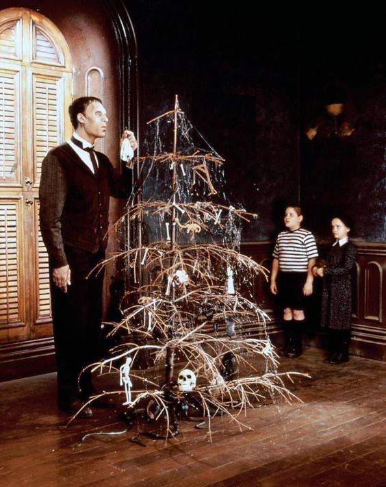 die addams family christmas trees the christmas and adams family. Black Bedroom Furniture Sets. Home Design Ideas