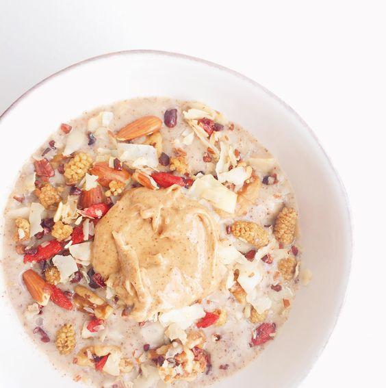 Coconut Superfood Smoothie Bowl (v, gf)