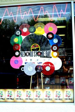record store day window decoration, gallery of sound (pennsylvania)