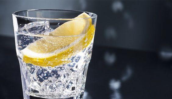Esto le pasa a tu Cuerpo si tomas Agua con Limón todos los días