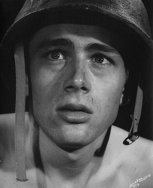 """Résultat de recherche d'images pour """"James Byron Dean in FIXED BAYONETS"""""""