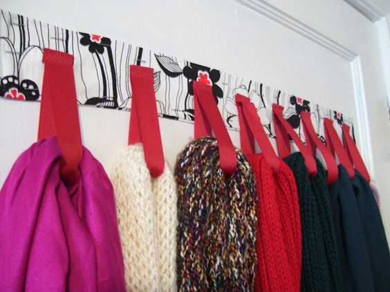 Como organizar seus lenços e cachecóis? Dica fácil e criativa ;D