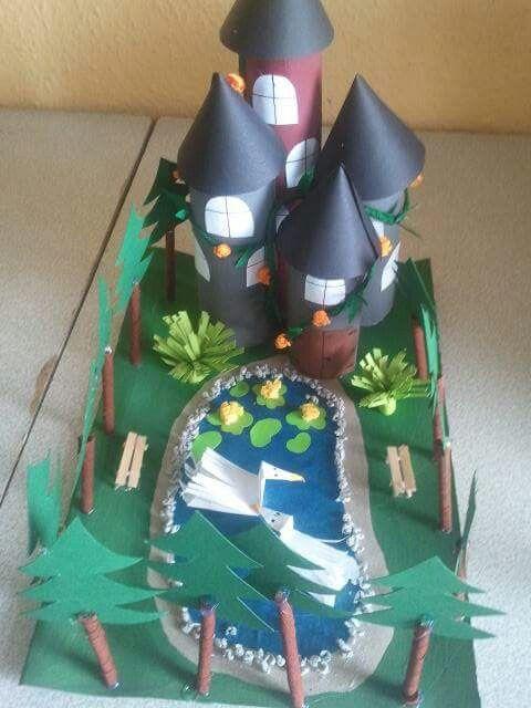 Märchenschloss aus Klopapierrollenpappe