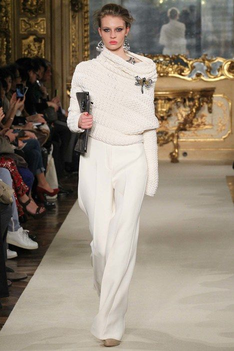 The complete Les Copains Fall 2015 Ready-to-Wear fashion show now on Vogue Runway.