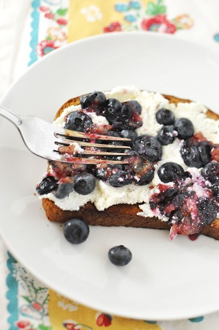 Breakfast Toast with Ricotta and Blueberries