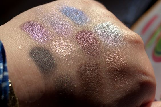 MAC In Extra Dimension – Swatches http://www.magi-mania.de/mac-in-extra-dimension-swatches-eindrucke/