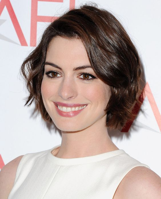 Bobs, Anne Hathaway And Celebs On Pinterest