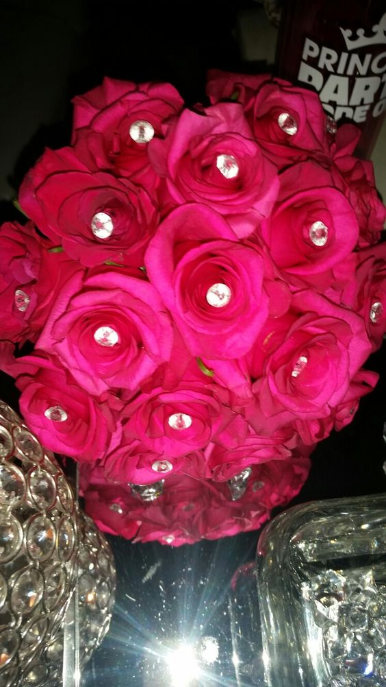 Hot pink roses bouquet