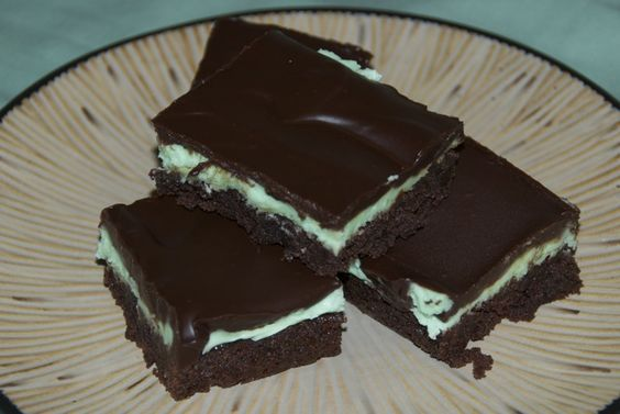 Easy Grasshopper Bars | Grasshoppers, Cream Cheese Filling and ...