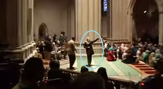 AT THAT CATHEDRAL DEFILED BY MOSLEMS : WHAT THEY CHANTED : THE LONE CHRISTIAN WOMAN WHO SPOKE FOR CHRIST: Christine Weick