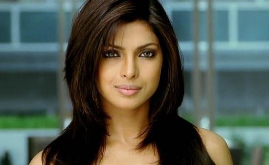 How To Look Like Priyanka Chopra In Dostana Dostana Is A Bollywood Romantic Comedy Starring Priyanka Priyanka Chopra Hair Hair Styles Priyanka Chopra Haircut