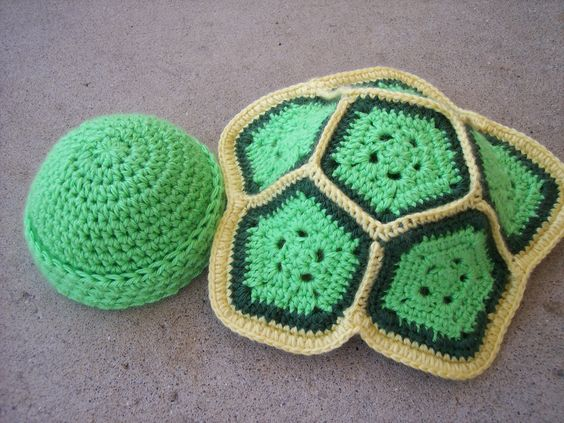 Crochet Baby Turtle Hat And Shell Pattern Free : Tes, Ninja turtles and Patterns on Pinterest