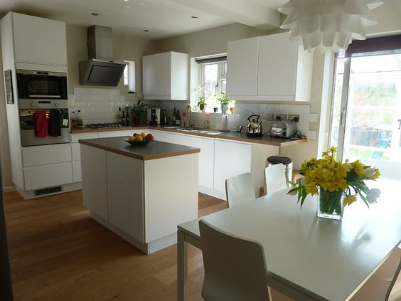 Like this layout, without the cheap kitchen units!