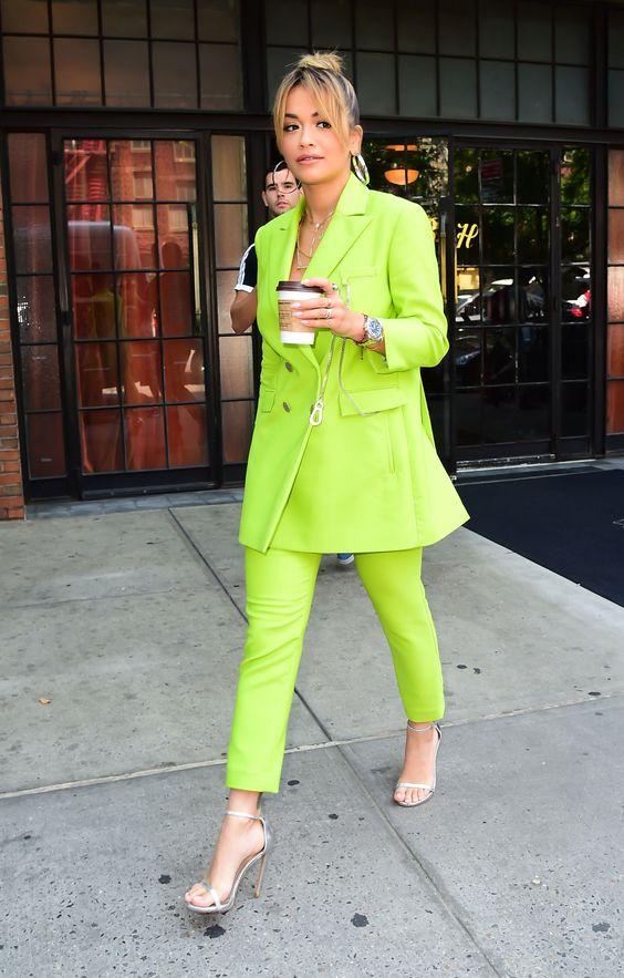 tailleur moda estate colori fluo