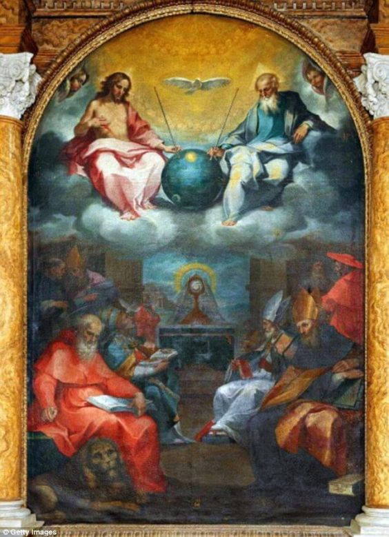 Zijn buitenaardse wezens verborgen in oude religieuze kunstwerken? Bizarre theorie beweert dat tekenen van vroege bezoeken van ET te vinden zijn in oude schilderijen - Alien UFO-waarnemingen