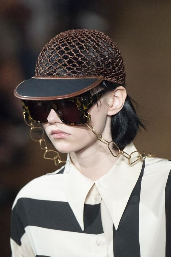Les lunettes vintages à cordon/à chaînette. Quand Mamie devient fashion !