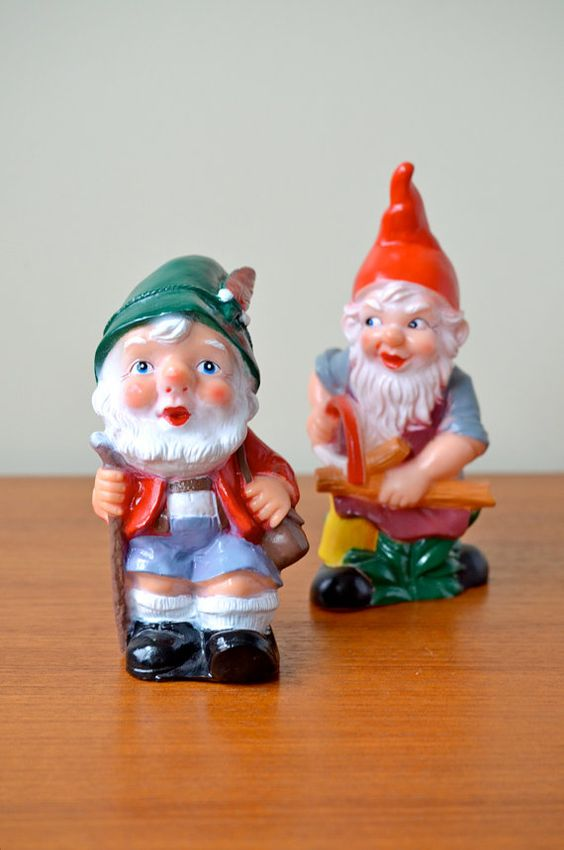 Set of 2 vintage bearded garden gnomes from germany for Gnome 3 decoration fenetre