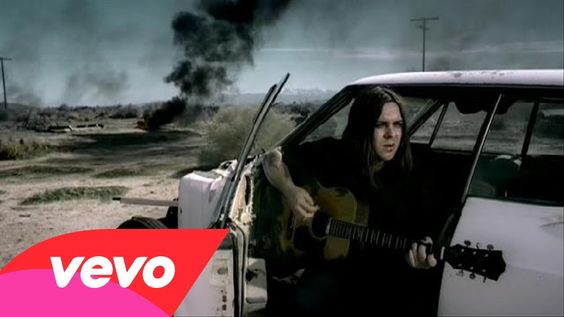 Seether feat. Amy Lee - Broken ft. Amy Lee sung beautifully by Evanescence's,and Seethers lead singers their vocals compliment each other perfectly