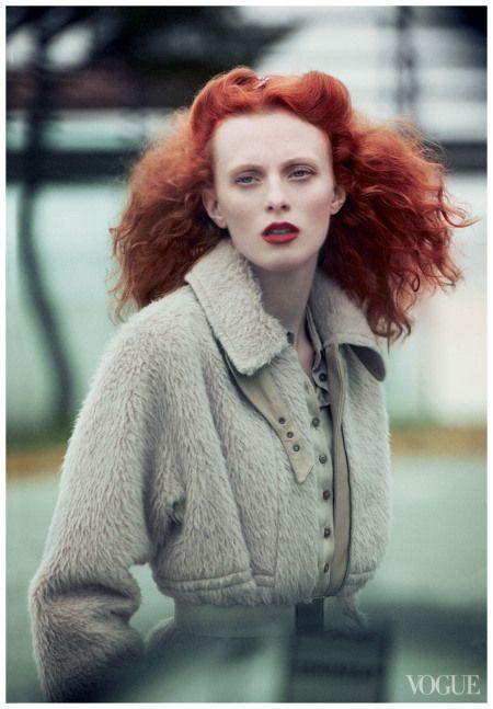 Photo Peter Lindbergh, Karen Elson, Vogue oct 2011