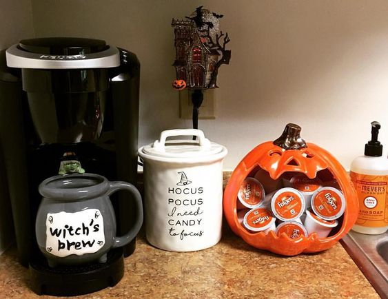 70 days!!! Happy #witchwednesday #witchsbrew Today's #hauloween brought to you by @homegoods & @pier1 #100daysofhalloweenhappy… #halloweendecor