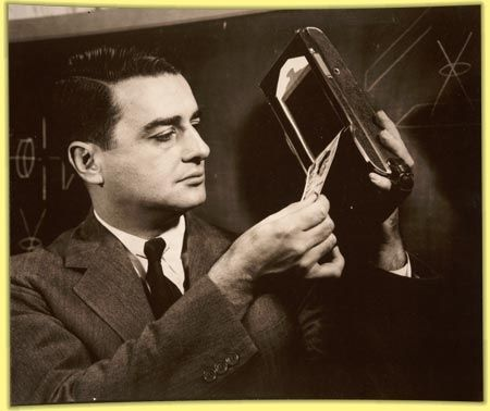 Feb 21, 1947 Edwin H. Land publicly demonstrated his Polaroid Land camera, which could produce a black-and-white photograph in 60 seconds.: Land Demonstrating, Instant Camera, Camera 1947, 1947 Edwin, Land Camera, Cameras, Demonstrating Instant