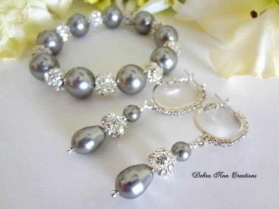 Swarovski Grey Pearl Crystal Bracelet Earring Set Grey Wedding Bridesmaid Jewelry Gray Bridesmaid Bracelet Set Mother of Bride Bracelet Gift - pinned by pin4etsy.com